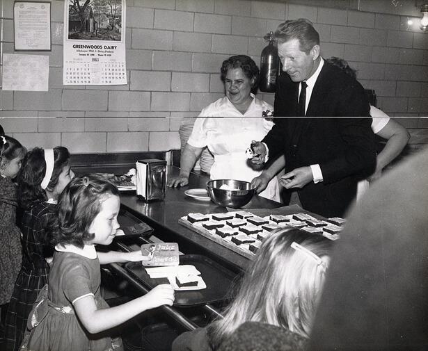Kaye McNamara in der Bäckerei
